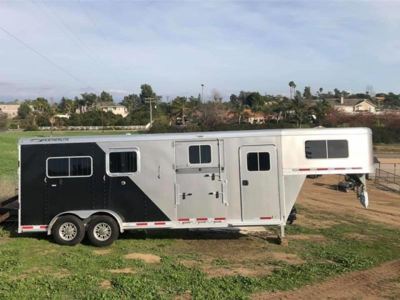 2018 Featherlite 2+1 Horse Trailer