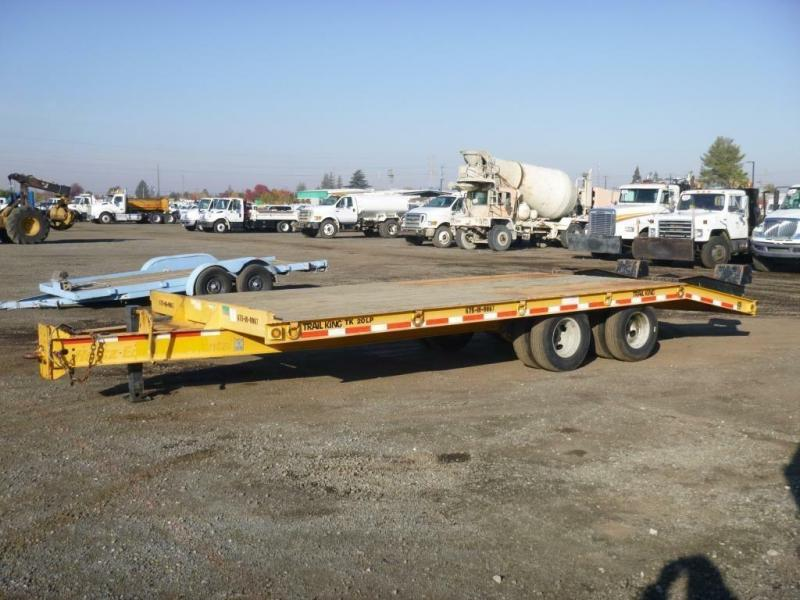 YELLOW 2013 Trail King TK20LP-242 Equipment Trailer