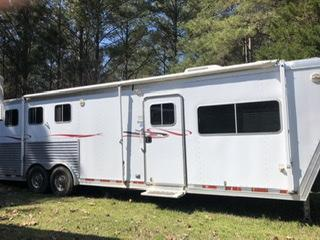 2006 Featherlite 8581 3 Horse All Aluminum Slant Load Trailer w/ Ramps