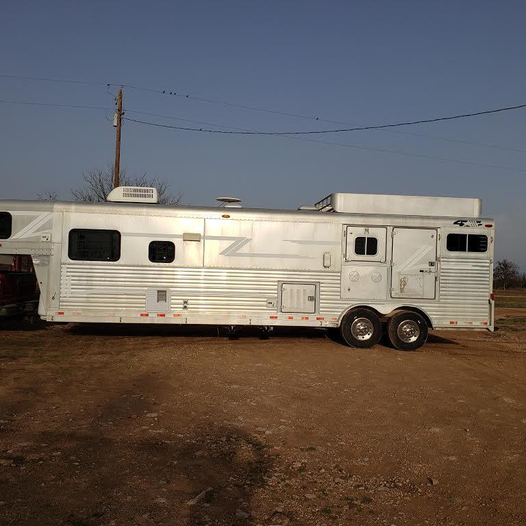 2000 4-Star 3 Horse Conversion Gooseneck Trailer w/ 14' SW LQ