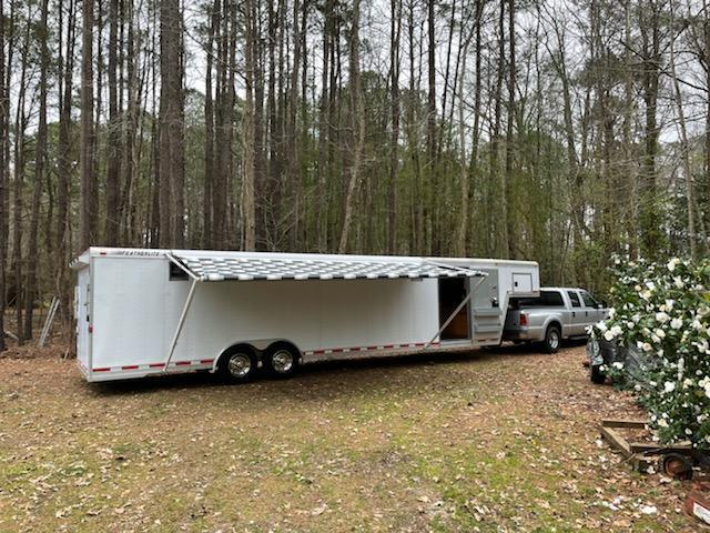 2000 Featherlite 8.5' x 32' Aluminum Gooseneck Enclosed Cargo Trailer