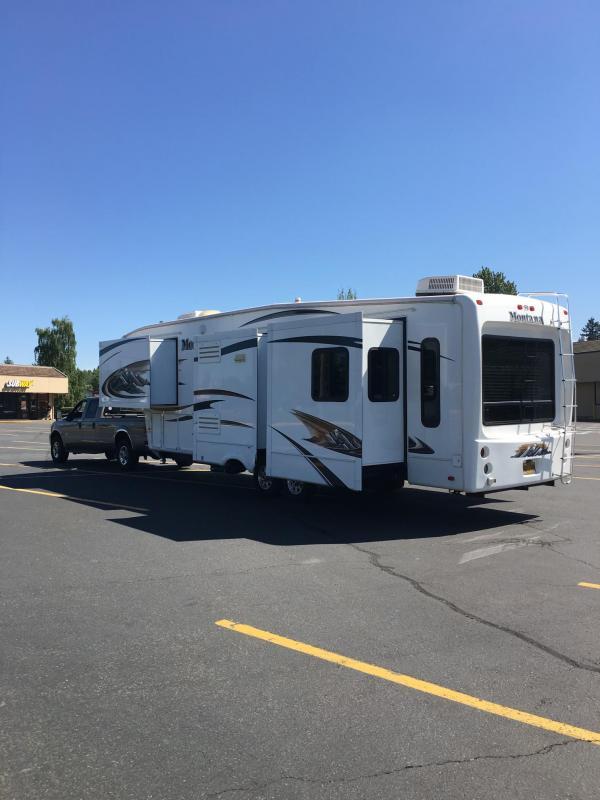 2010 Keystone RV Montana RL3400 Fifth Wheel