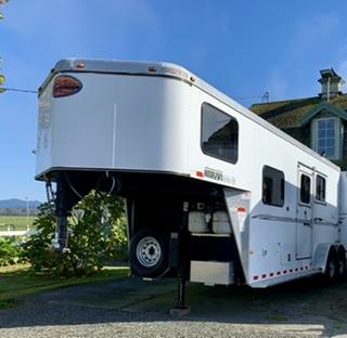 2012 Sundowner 2 Horse Slant Trailer w/ Living Quarters