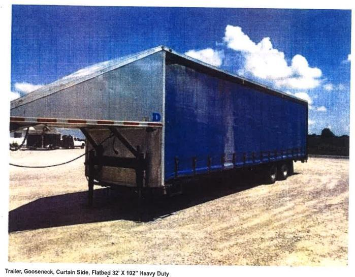 "2017 Force 102"" x 32' Gooseneck Curtain Side Flatbed Trailer"