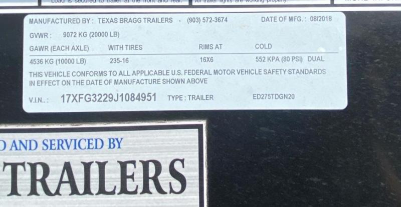 2018 Texas Bragg 32' Gooseneck Trailer