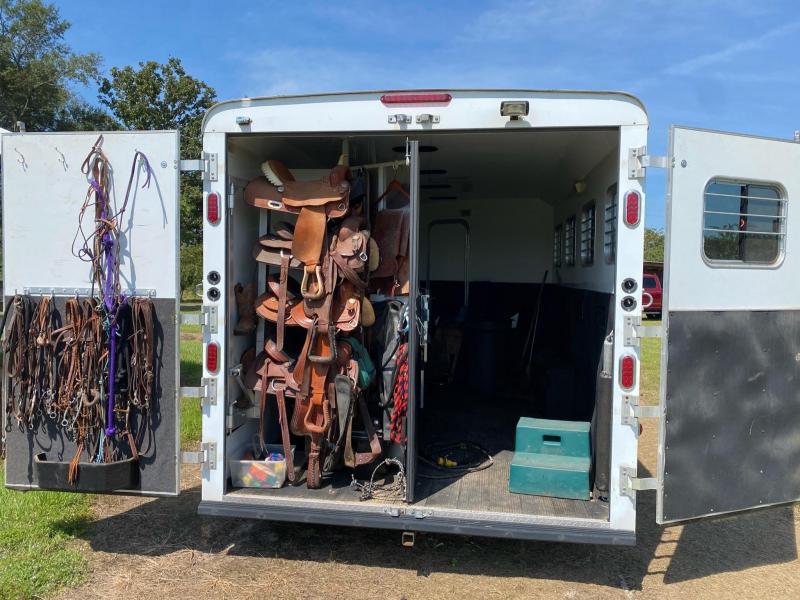 2011 Hoosier Maverick 4 Horse Trailer w/ 15' SW Living Quarters