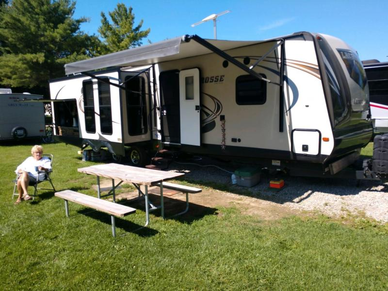 2016 Primetime Lacrosse 330RST Travel Trailer