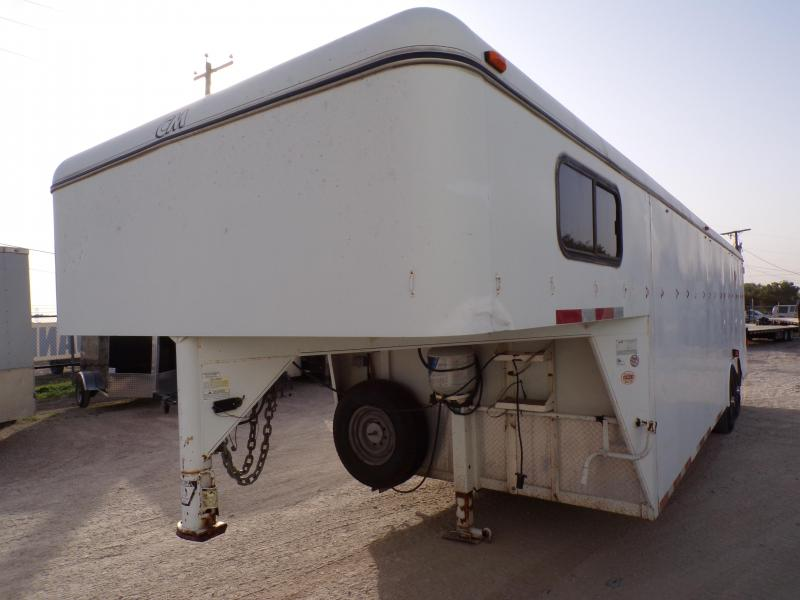 2002 CM 8.5 x 32 USED Enclosed Cargo Trailer