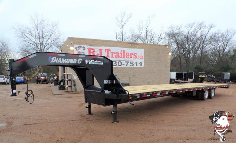 2021 Diamond C Trailers 102 x 40 FMAX 212 Equipment Trailer