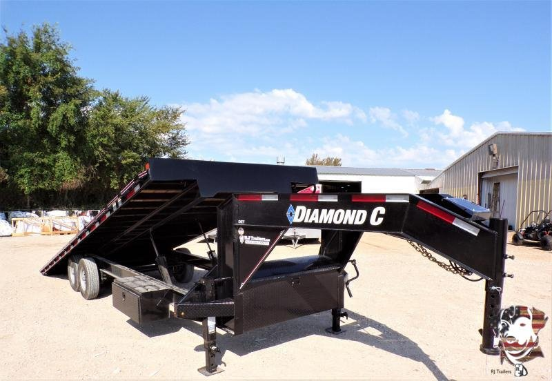2020 Diamond C Trailers 102 x 26 DET207 Equipment Trailer
