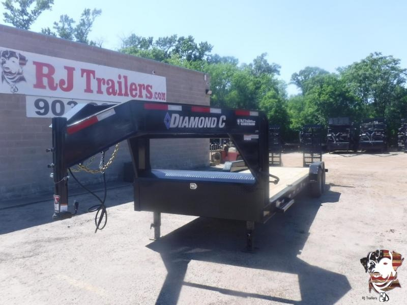 2020 Diamond C Trailers 82 x 24 LPX207 GN Equipment Trailer