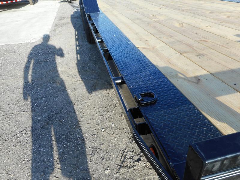 2021 Load Trail CH0222072 22' Equipment Trailer