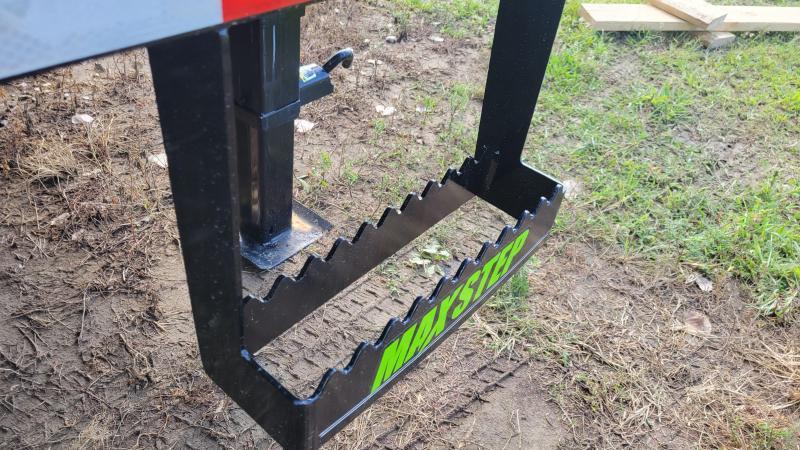 "2022 Load Trail 102""X28' LOW PRO GOOSENECK Equipment Trailer"