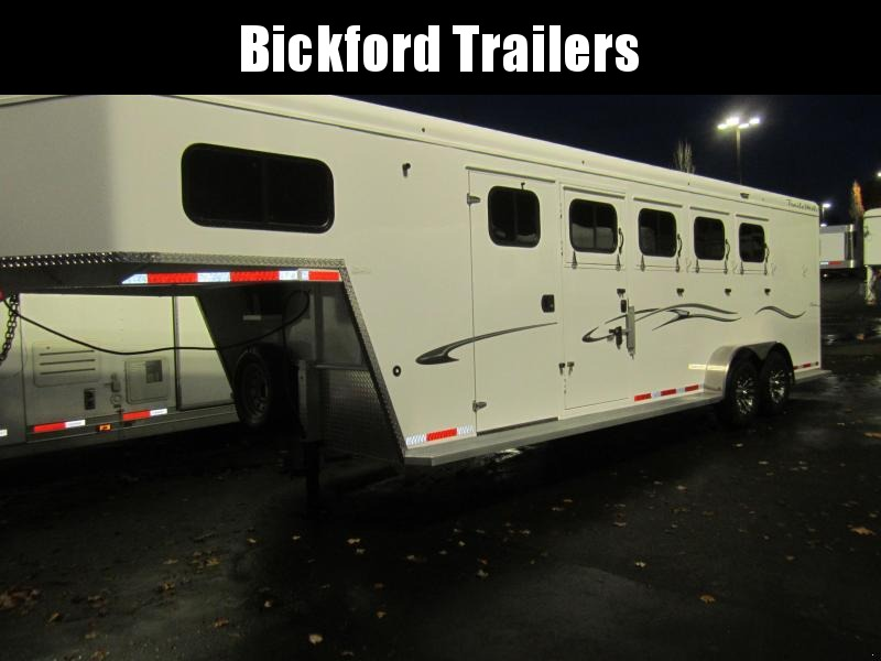 2021 Trails West Classic Horse Trailer