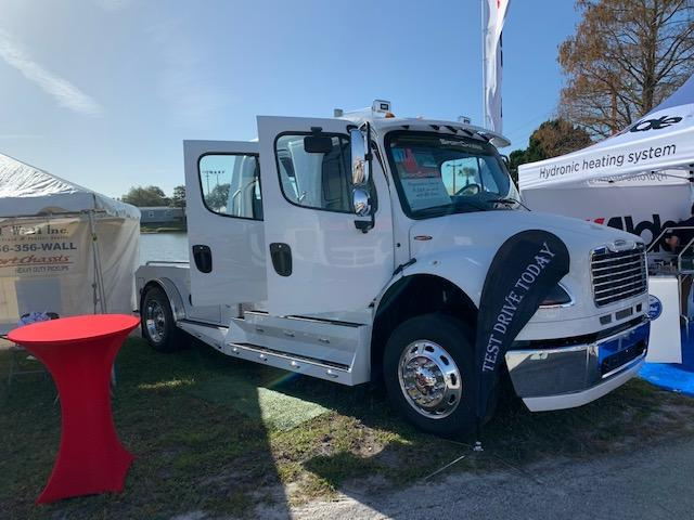 2021 Freightliner SportChassis Heavy Duty Pick up