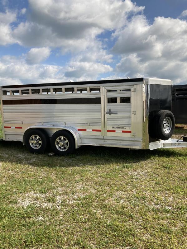 2017 EBY Maverick Livestock Trailer