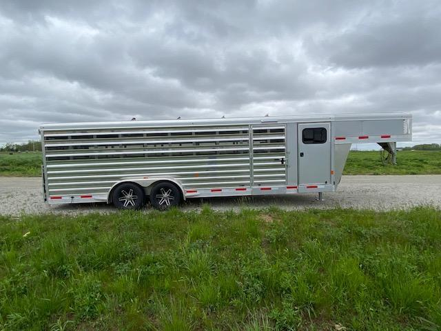 2018 Exiss Trailers Exhibitor 7026A 10 pen Livestock Trailer