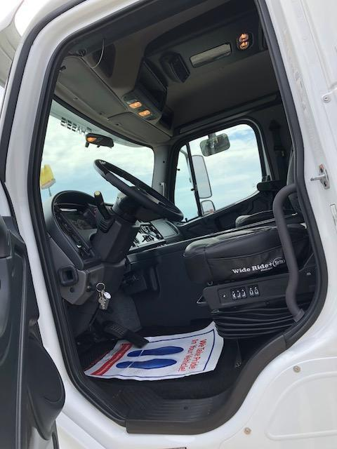 2014 Freightliner SportChassis