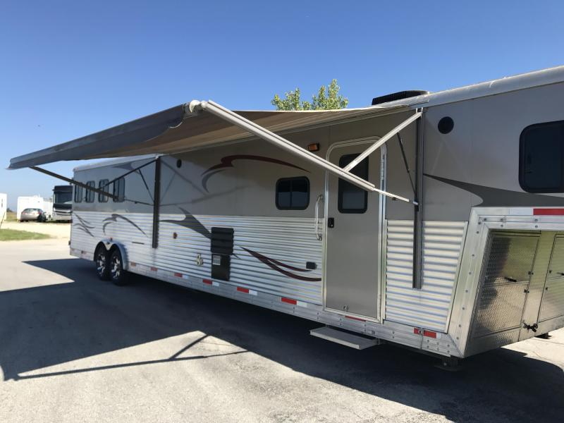 Price Drop! 2012 Bison 8417 TM LQ 4 Horse Trailer