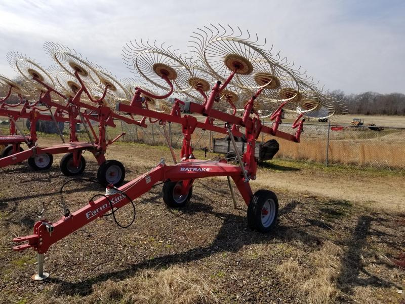 2017 Farm King 8 WHEEL BAT RAKE Hay / Forage