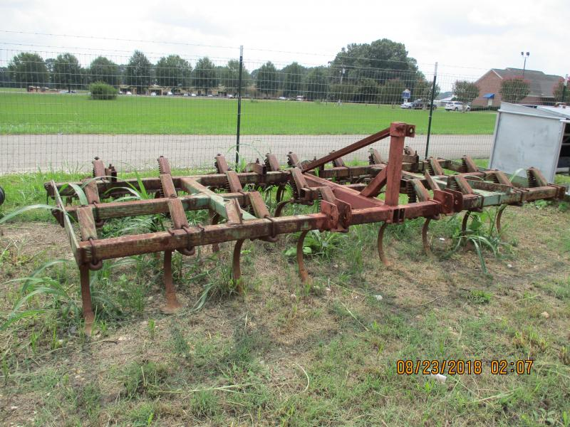1988 John Deere 1010 FIELD CULTIVATOR W/ HARROW ATTACHMENT