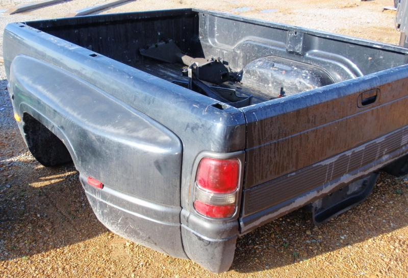 2001 DODGE DUALLY 3500 TRUCK BED