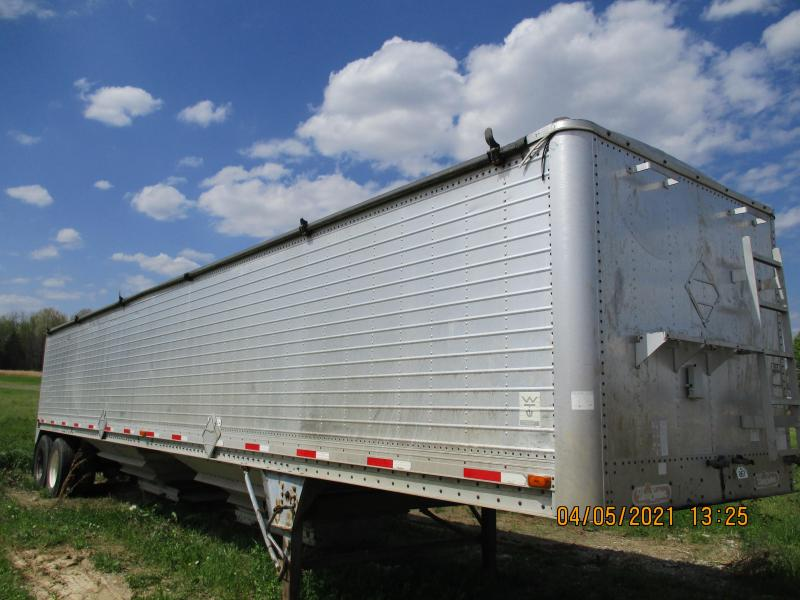 1992 Willson pace setter Hopper Trailer
