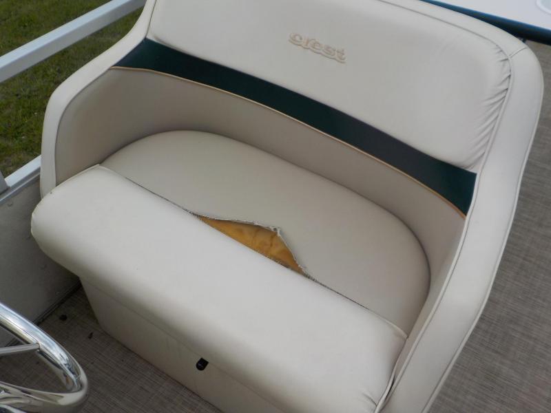 1998 Crest Crest 22' Used Pontoon Boat