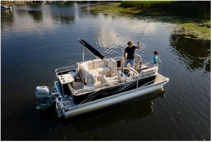 2021 Qwest LE 818 XRE Cruise Pontoon Boat