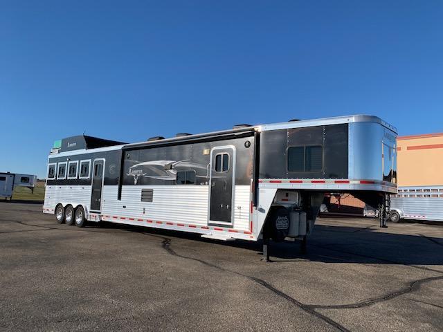 2014 Lakota Big Horn Horse Trailer