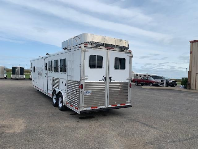2004 Featherlite 4H GN Horse Trailer