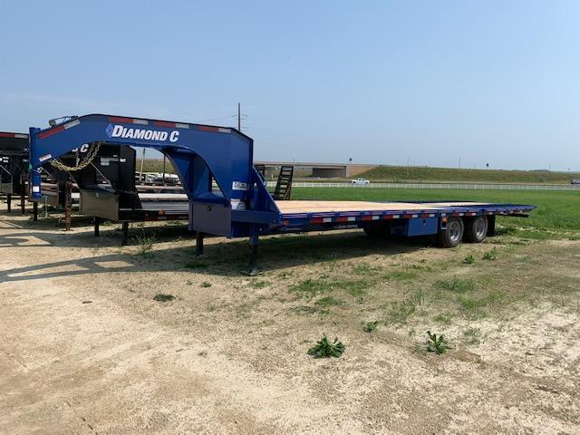 Diamond C 2020 32' Flatbed GN
