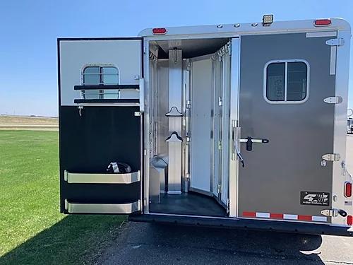 4-Star 2021 2H LQ Horse Trailer