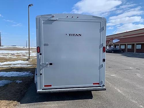 Titan 2020 3H BP Horse Trailer