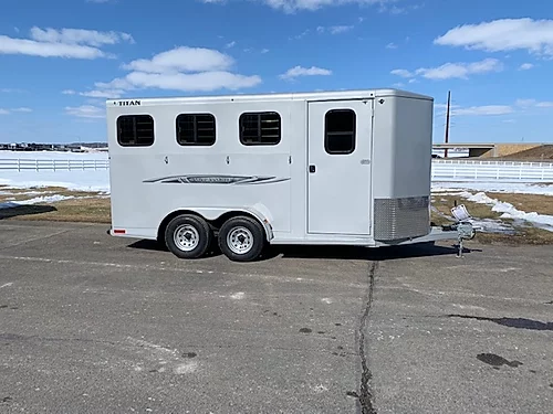Titan 2020 3H BP Horse Trailer