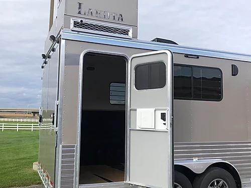 Lakota 2019 Toy Hauler