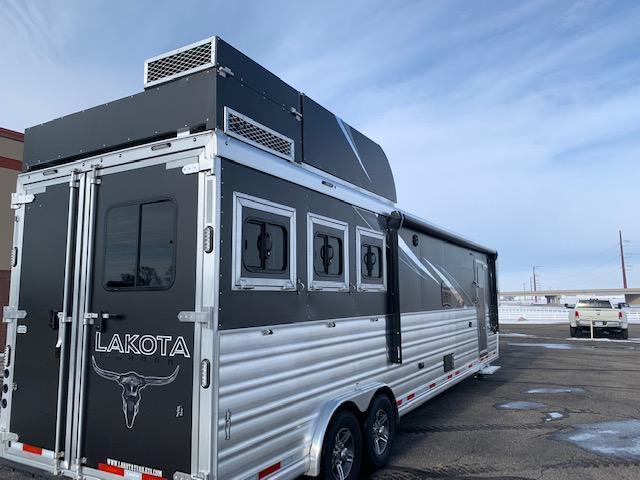 2021 Lakota 3H LQ Horse Trailer