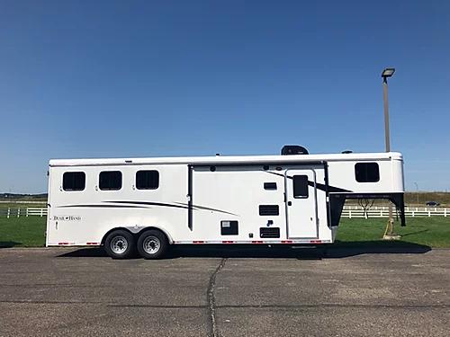 2019 Bison Trail Hand 3H LQ Horse Trailer