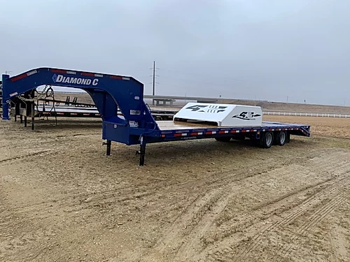 "2020 Diamond C 102"" x 32' Gooseneck Flatbed Trailer"