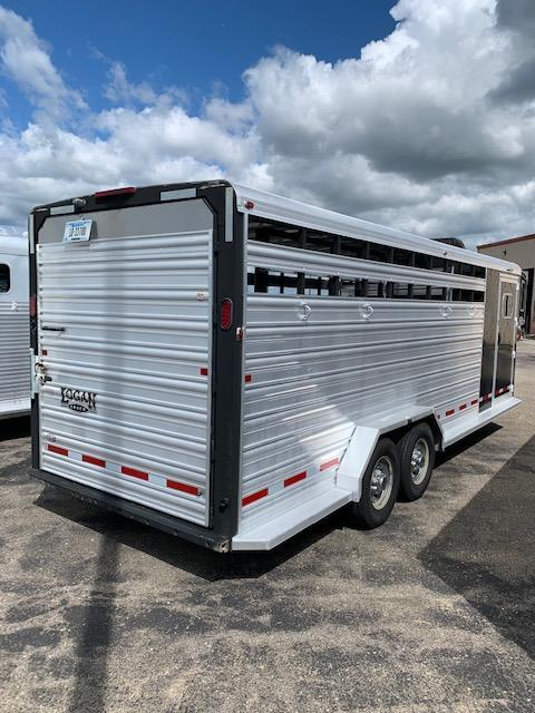 2015 Logan Coach Stock Combo Livestock Trailer
