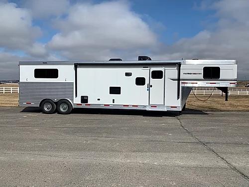 2020 SMC Patriot 3H LQ Horse Trailer