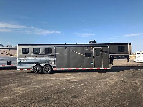 2019 Bison Ranger 3H LQ Horse Trailer