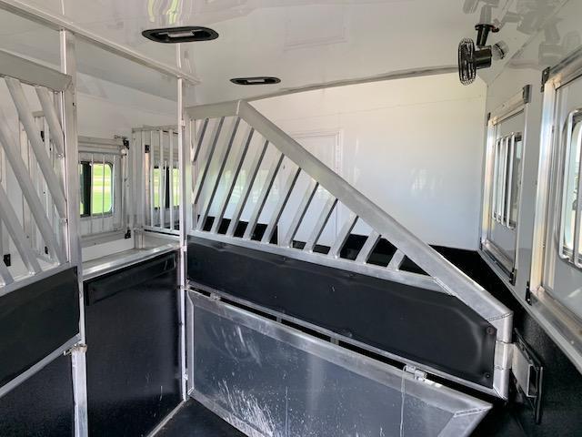 Bison 2019 Premier 8417 4H LQ