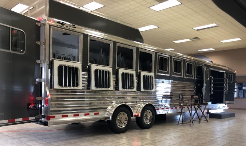 2022 4-Star Trailers 9673 Horse Trainer Trailer