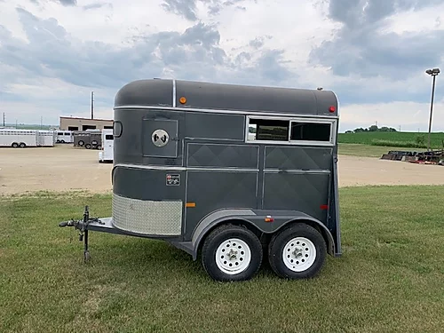 2004 WW 2h BP Horse Trailer