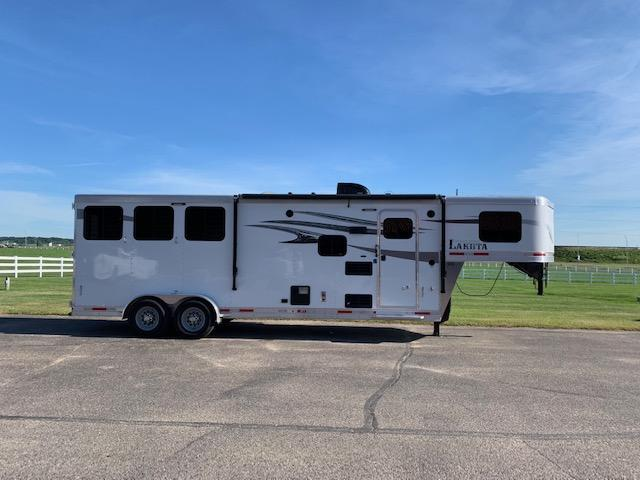2018 Lakota Charger Horse Trailer