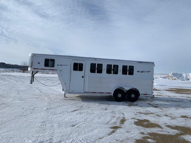 2004 Featherlite 3H GN Horse Trailer