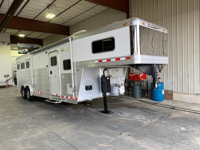 2006 C and C Trailers 3H LQ Horse Trailer