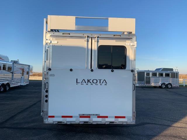 Lakota 2021 3H LQ Horse Trailer