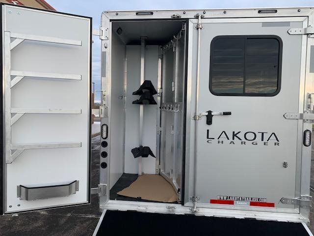 Lakota 2021 C8311RK Horse Trailer